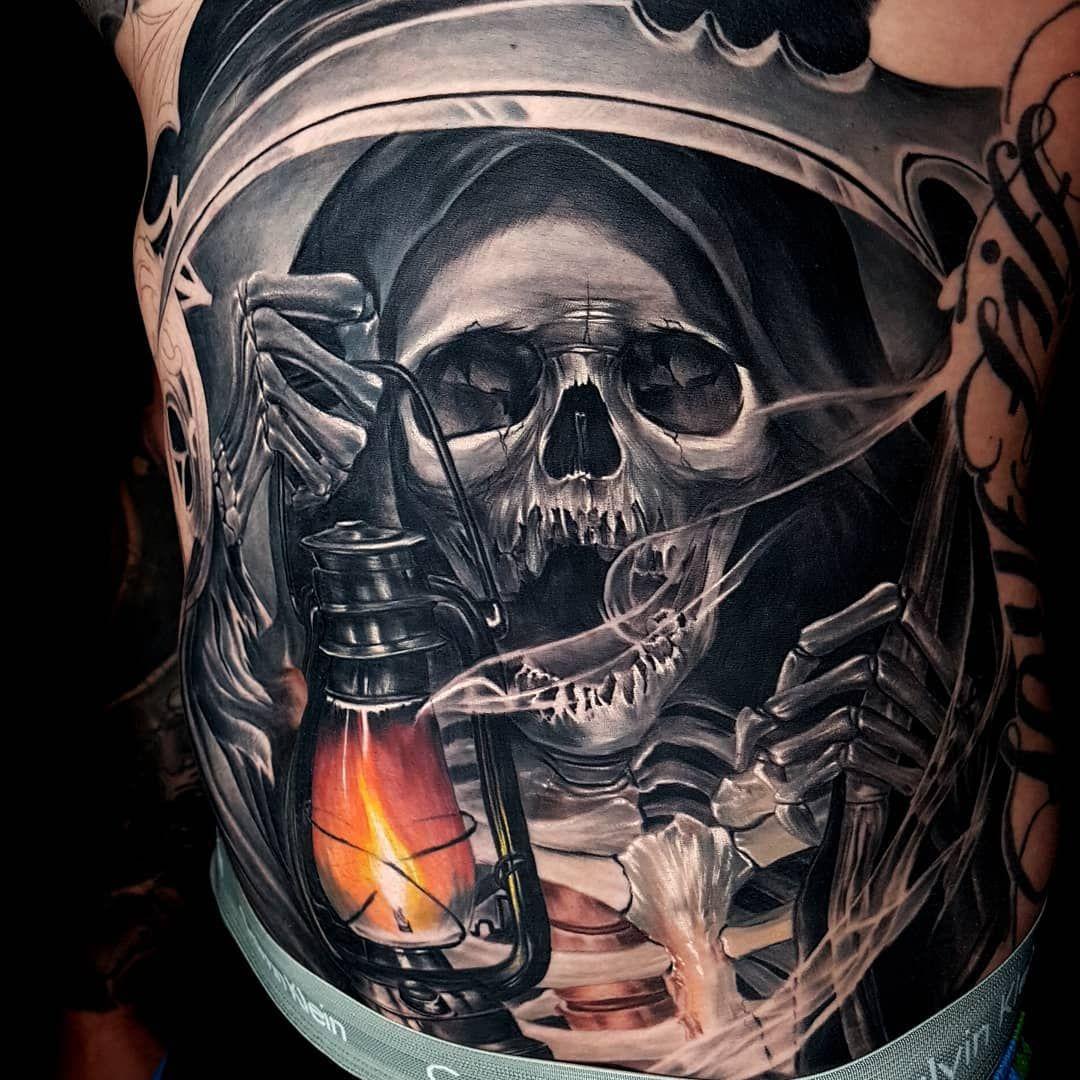 Indonesian surrealism in Akbar Tawakkal's tattoo Skull