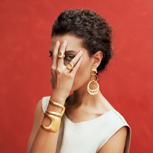Peek-a-boo 👁 Crescent Bracelet, Crescent Ring, Triple Crescent Earrings from the new collection Pillars See it all www.ayshabilgrami.com Photos Daniella Benedetti | Model Liseth Bitar | Styling Claudia Rojas | Makeup Viviana Saler