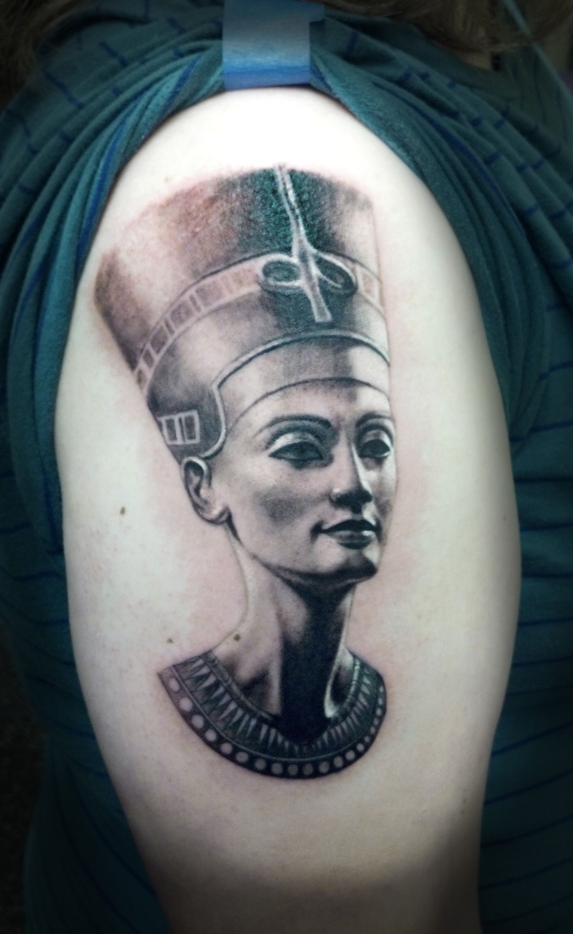 #Royalty like a boss. Queen Nefertiti piece for Pavitra ... |Nefertiti Tattoo Drawing