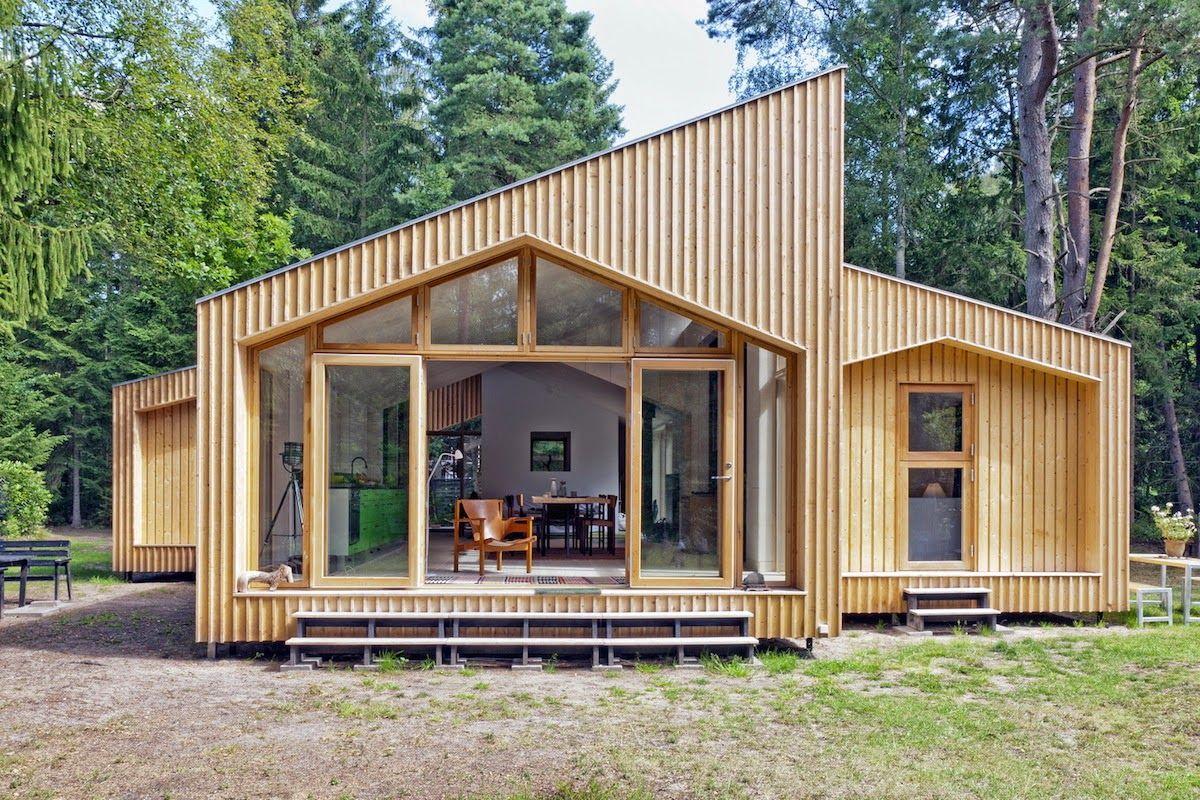 CASA NA FLORESTA: Para Férias da Família Larissa Carbone @Larissa Verticchio agora  Casa de veraneio de uma família dinamarquesa reformulada em 6 semanas pela Facit Homes: http://zip.net/bqnCtd
