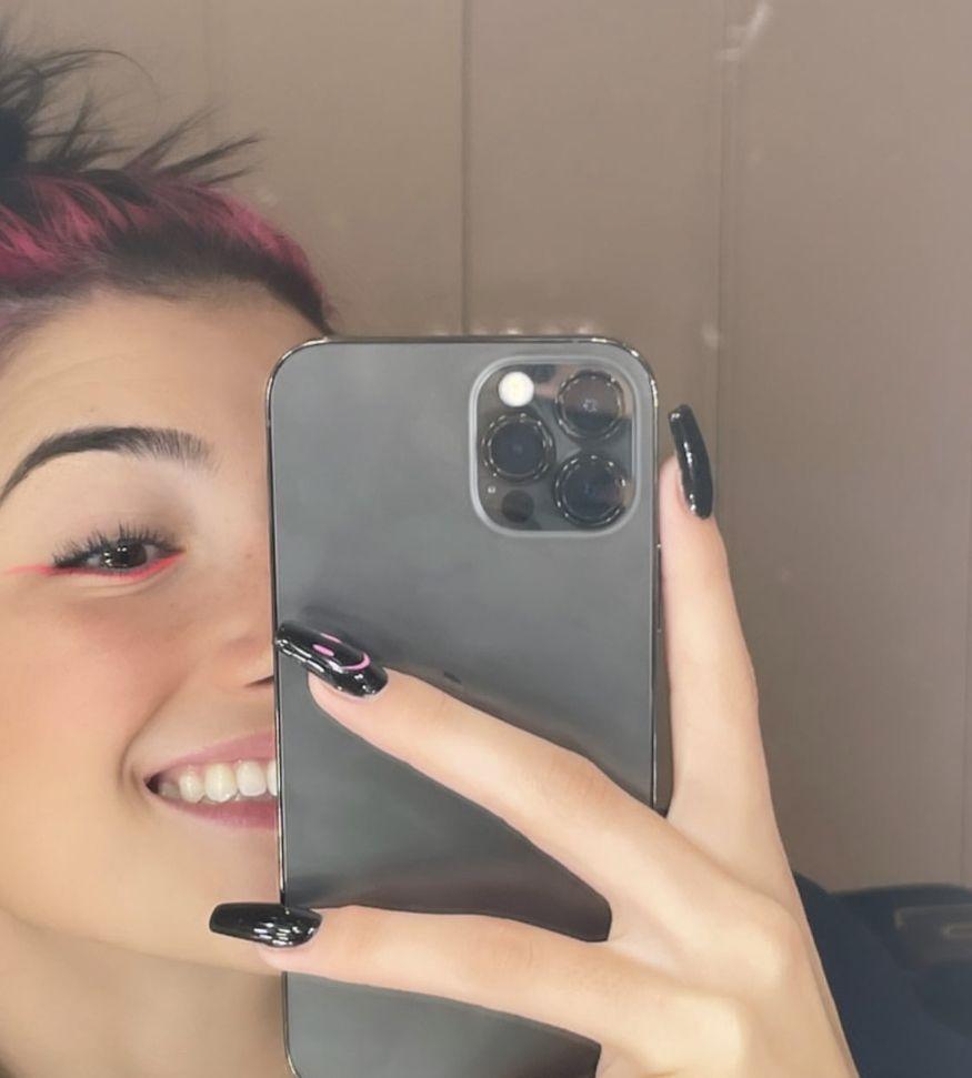 Charli Mirror Selfie Poses Phone Mirror Selfie