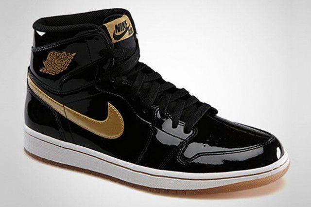 874ffdc2f0d AIR JORDAN 1 RETRO HIGH OG (BLACK/METALLIC GOLD) | Sneaker Freaker ...