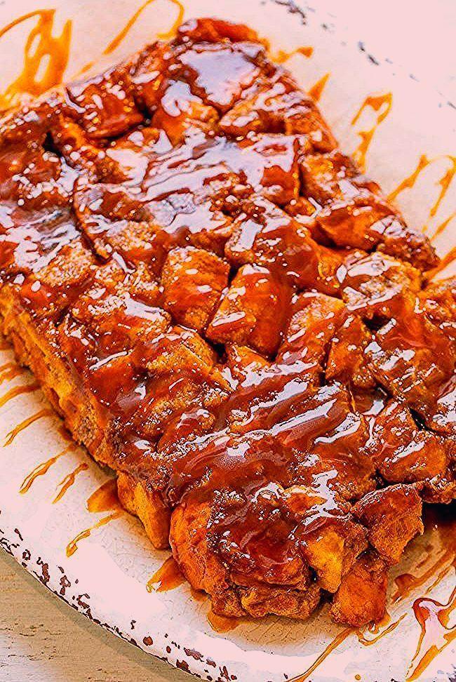 Über Nacht Karamell French Toast Auflauf  EINFACH weich zart und dekadent  Über Nacht Karamell French Toast Auflauf  EINFACH weich zart und dekadent