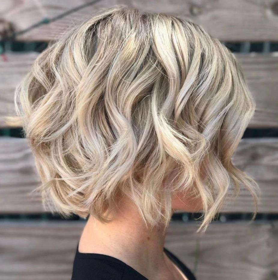 Blonde Bob Haircut With Waves For Thin Hair #choppybobhairstyles