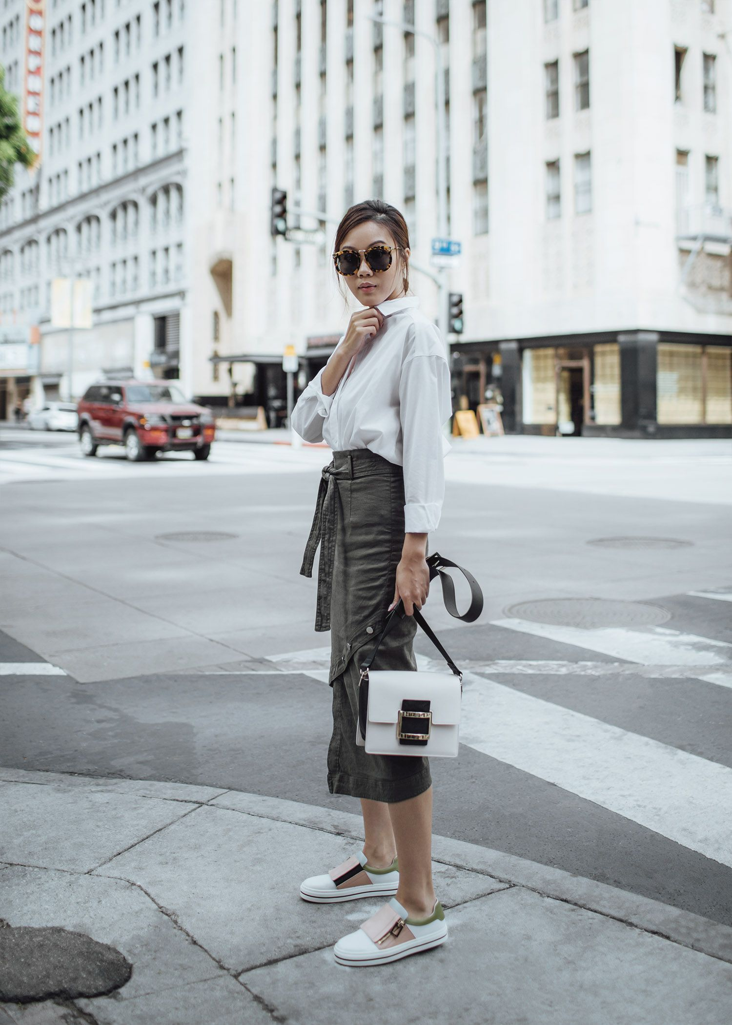Midi skirt outfit Street style fashion blogger influencer Jenny Tsang of  Tsangtastic wearing white button down 8286145fc0
