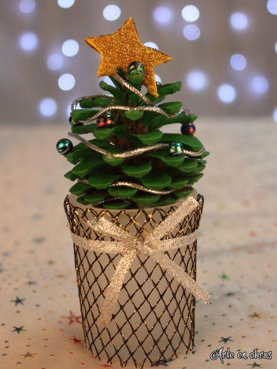Rboles de navidad con pi as arbol de navidad - Pinas de navidad adornos ...
