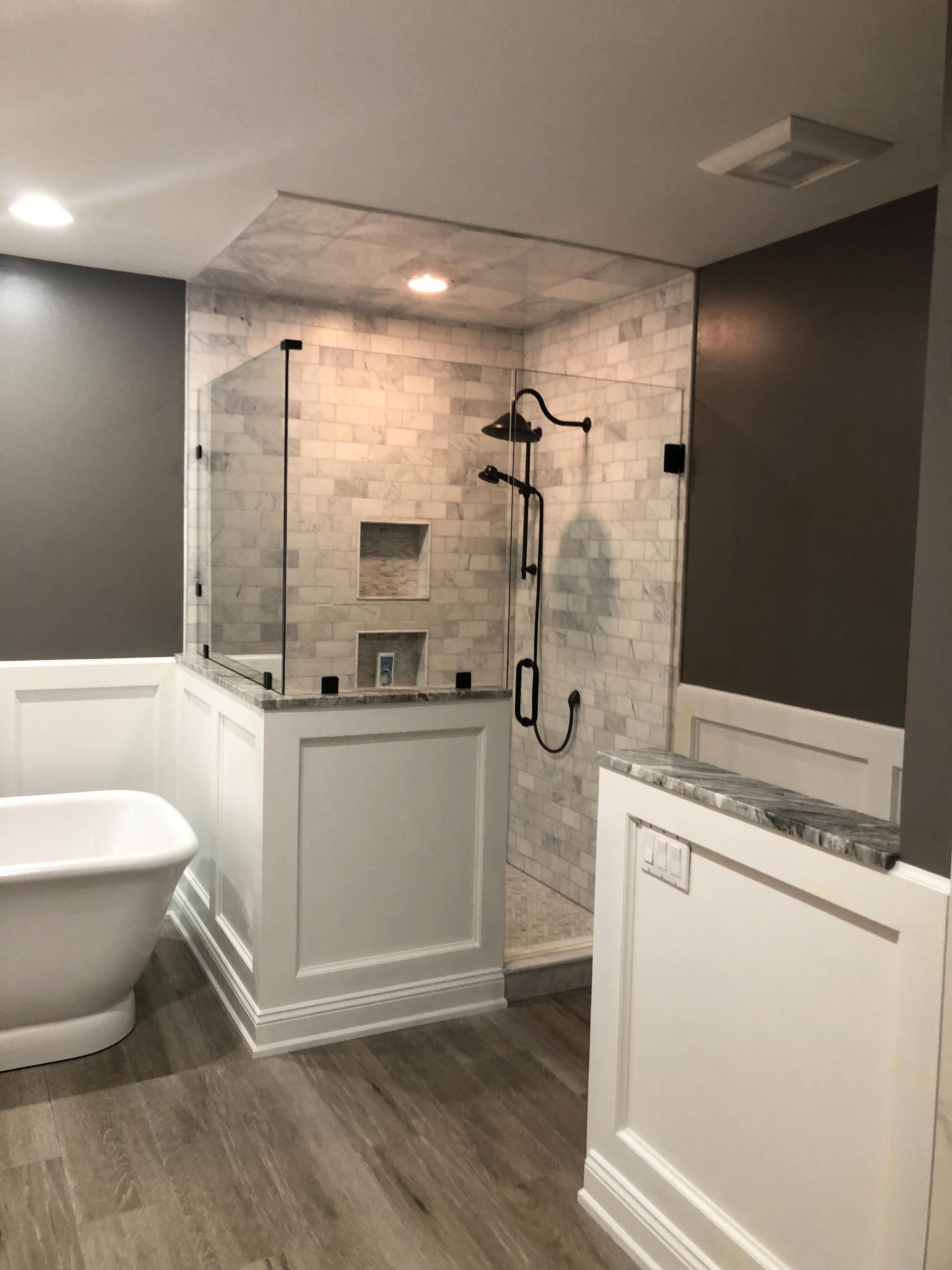 These Amazing Shower Ideas Will Motivate You To Make Changes That Will Add Value And Also Transform Y In 2020 Bathroom Layout Bathrooms Remodel Bathroom Remodel Master