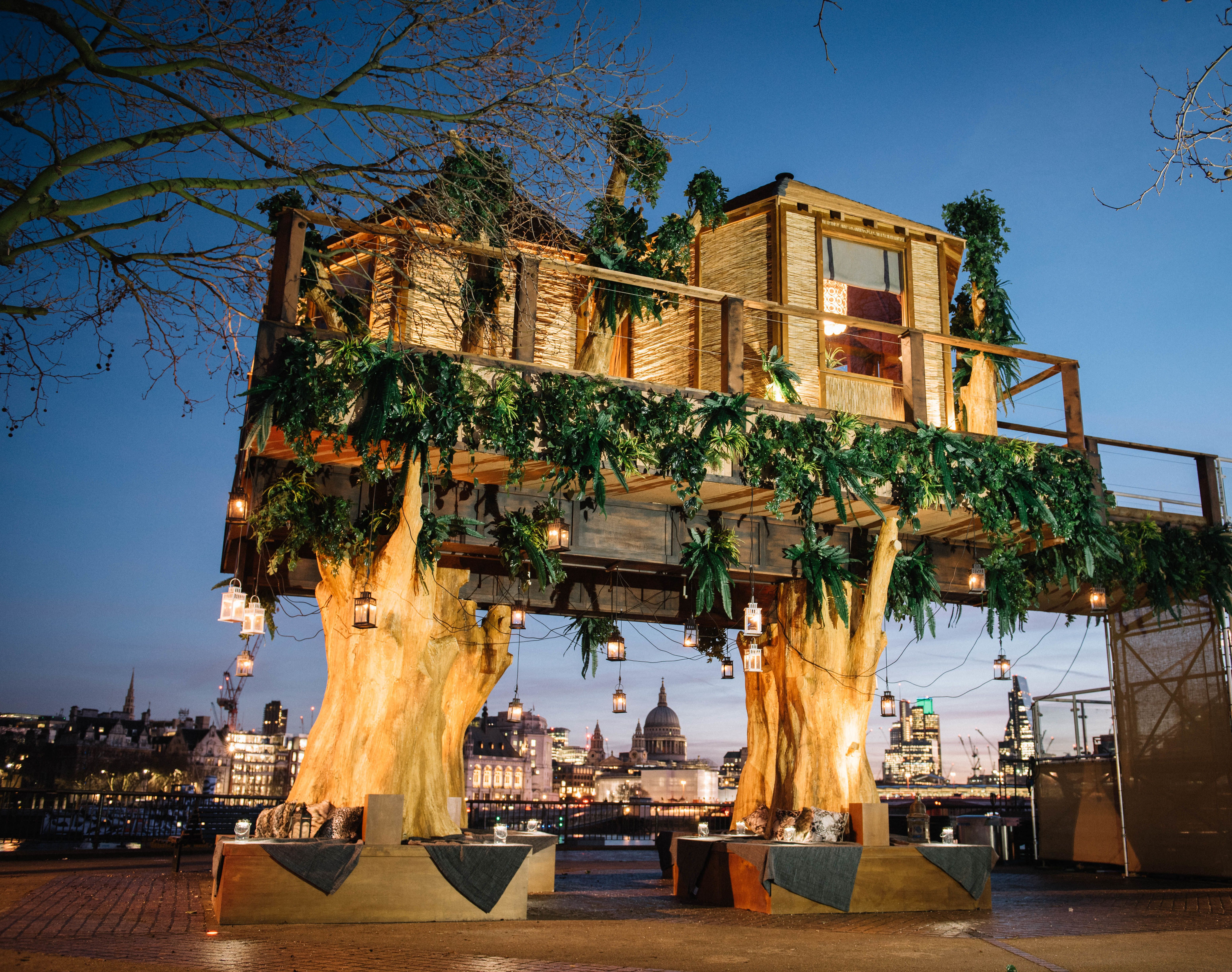 Awesome Londonu0027s New 35 Foot High Luxury Treehouse With Views Of The Thames River  Photos