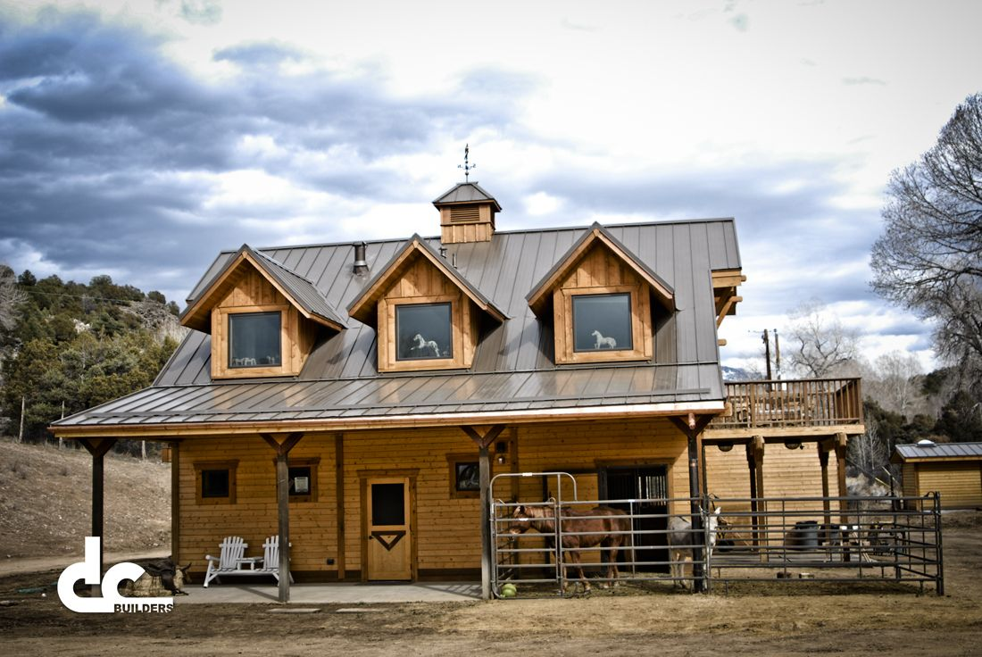 Custom Barn With Living Quarters In Taos, New Mexico | DC Building