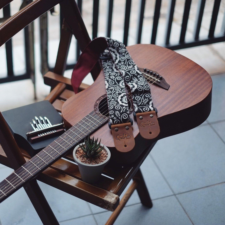Black Retro Guitar Strap Etsy Guitar Strap Acoustic Guitar Photography Acoustic Guitar Pictures