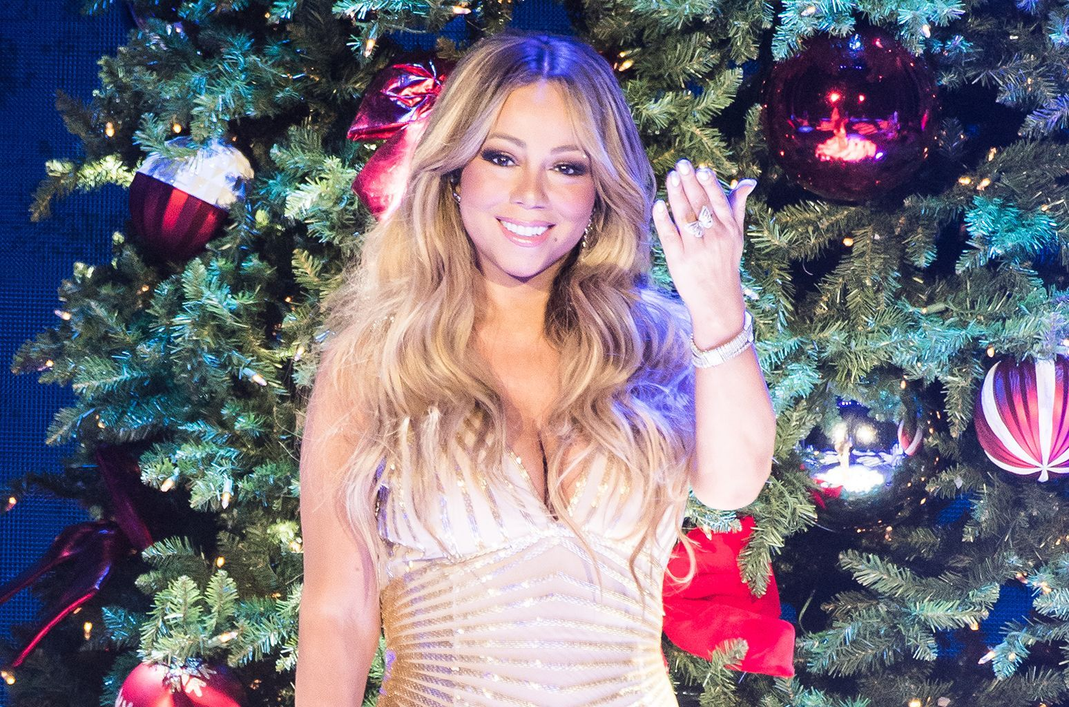 Mariah Carey Just Broke Three Guinness World Records With All I Want For Christmas Is You Mariah Carey Christmas Mariah Carey Mariah