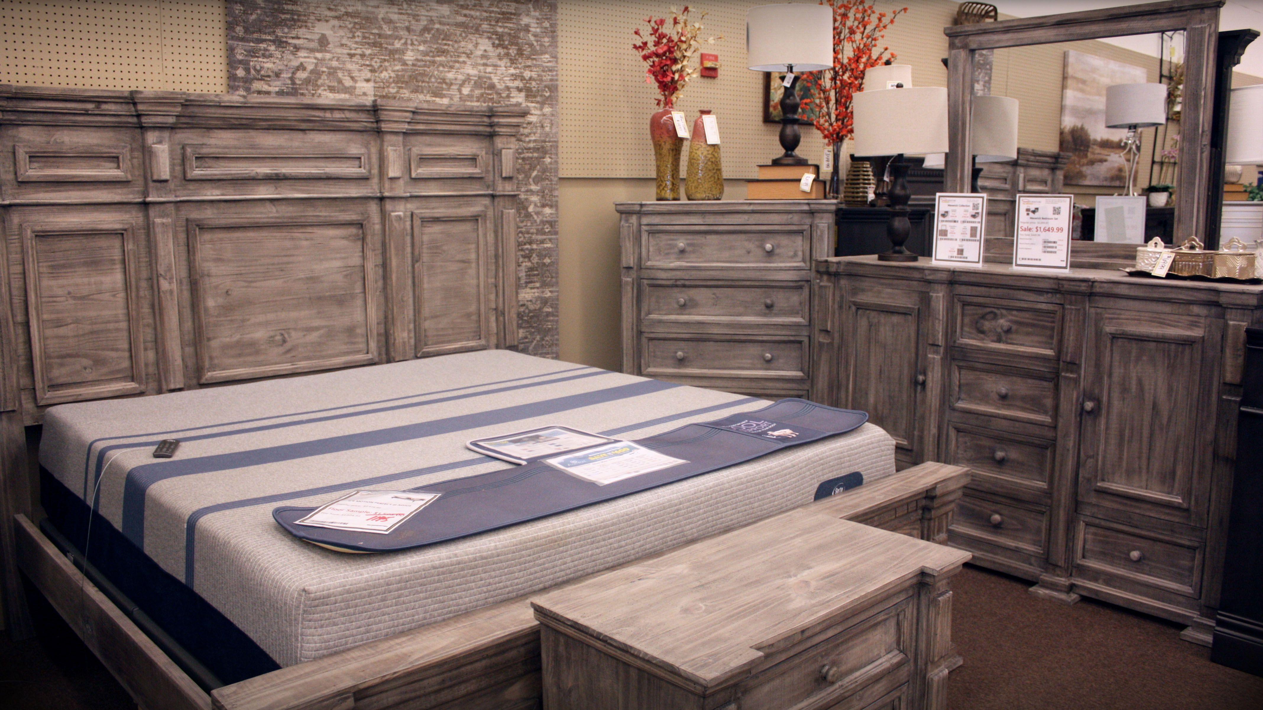 Maverick Queen Size Bedroom Set Gray Queen Sized Bedroom Sets Bedroom Set Bedroom Sets Queen