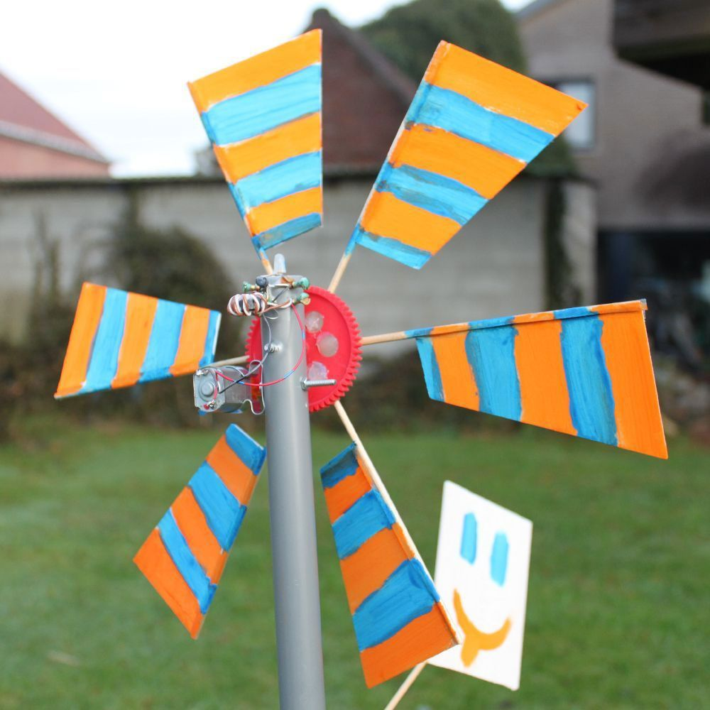 Small Functional Wind Turbine Great Teach
