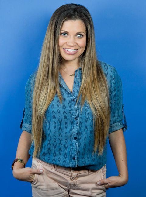 Danielle Fishel Visited Instyle And Spilled The Details On Her Favorite Topanga Hair Moments Instyle