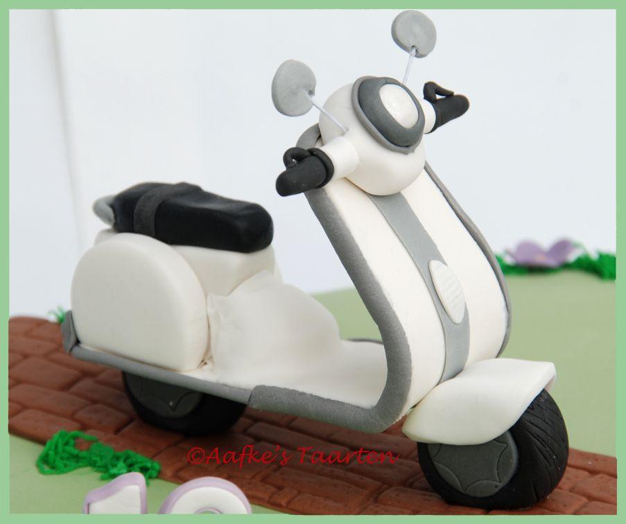 Vespa scooter fondant decorations pinterest scooters for Vespa decoration