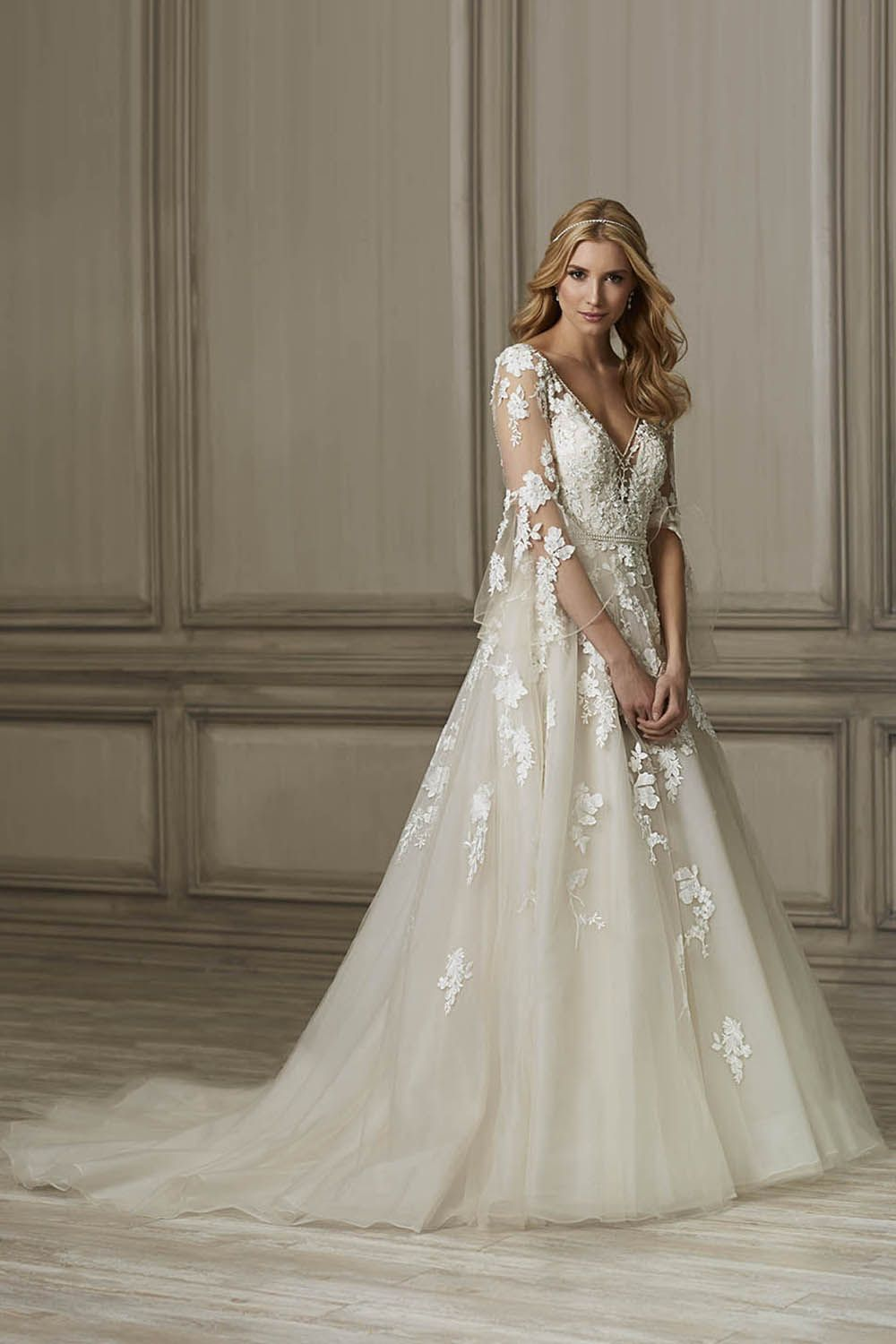 Jacquelin Bridals Canada Brielle Wedding Gown V