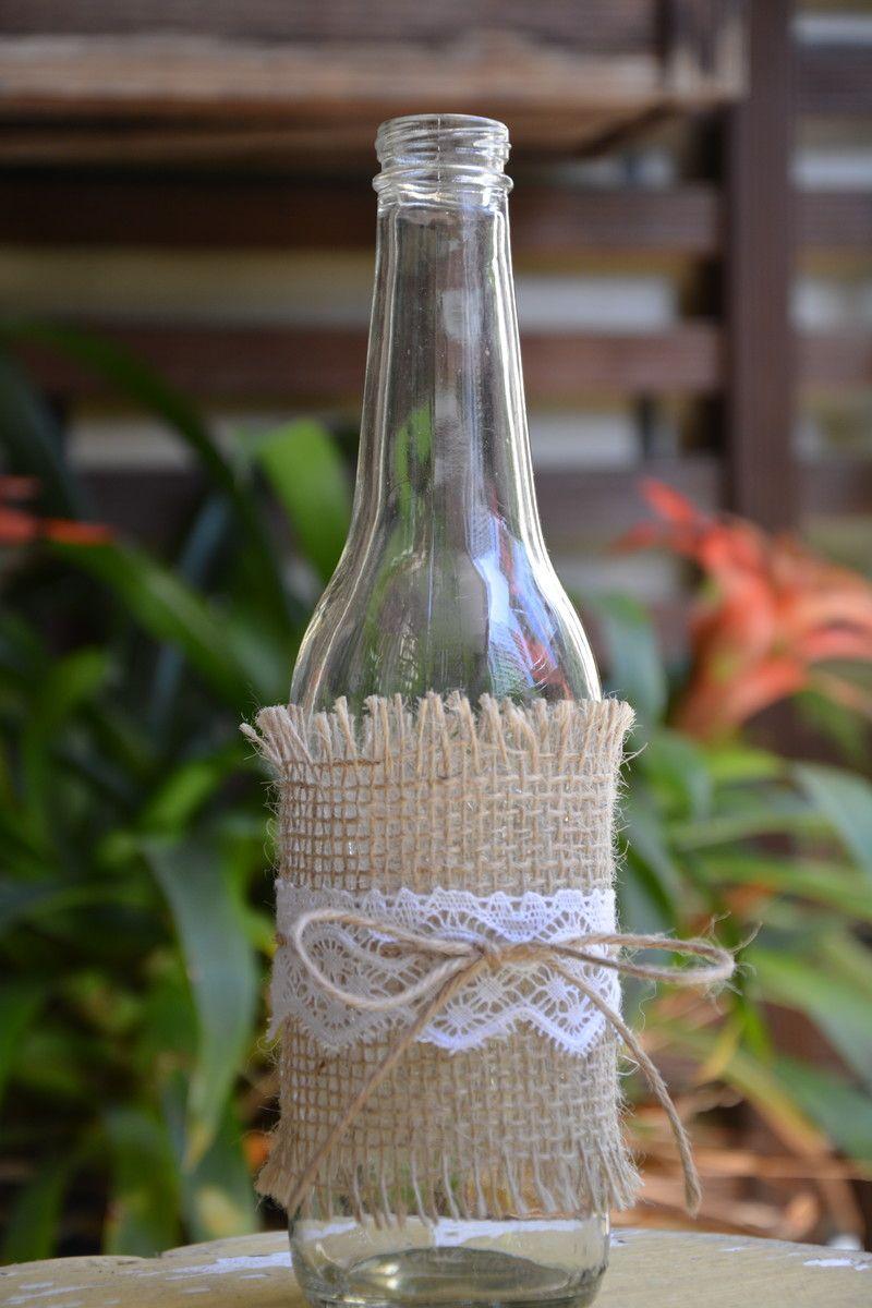 Linda garrafa de vidro decorada com juta, renda e rami (uma espécie de sisal, mais fino) Feitas  -> Decorar Garrafas De Vidro Com Renda