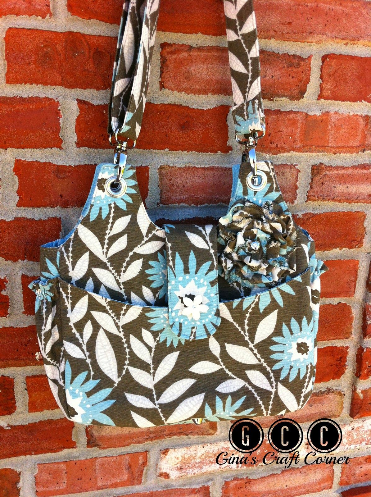 Gina's Craft Corner: Another Conceal and Carry Purse in Gorgeous Fabric...