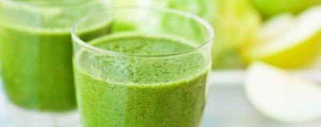 Smoothie verde de espinacas y fruta | La Bioguía