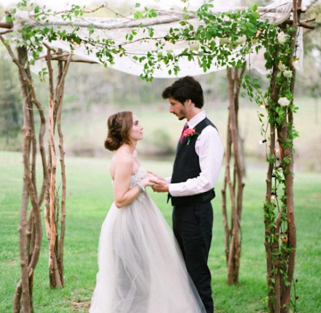 Jewish Wedding Altar: 31 Charming Woodland Wedding Arches And Altars