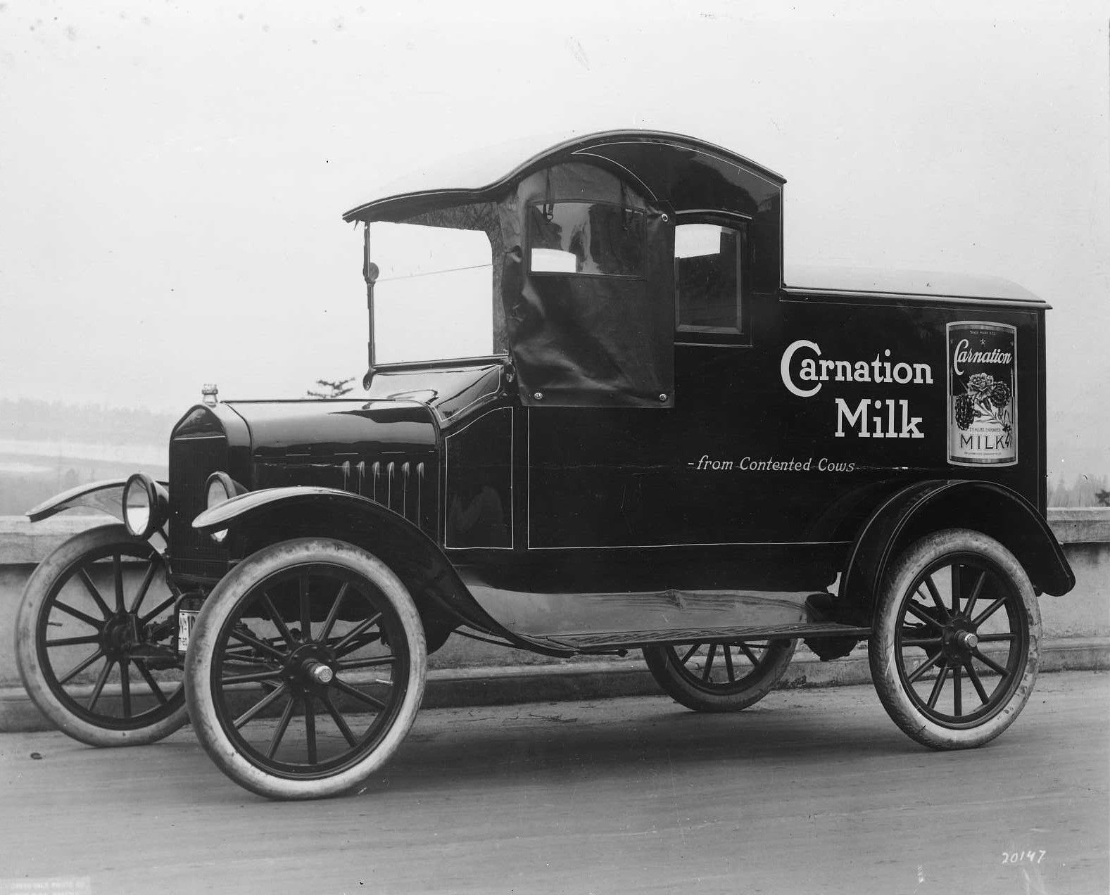 Model t ford forum old photo bass hueter co delivery van