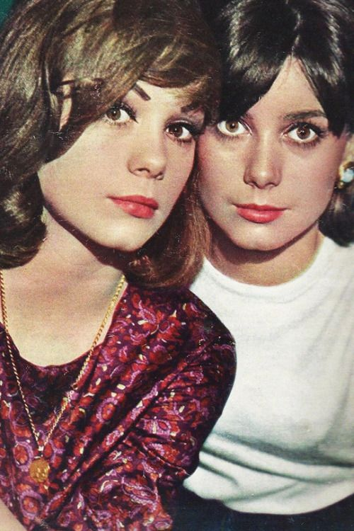 Sisters Françoise Dorléac and Catherine Deneuve (right)