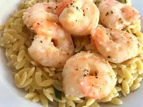 Delicious Lemon Garlic Shrimp Scampi #shrimpscampi