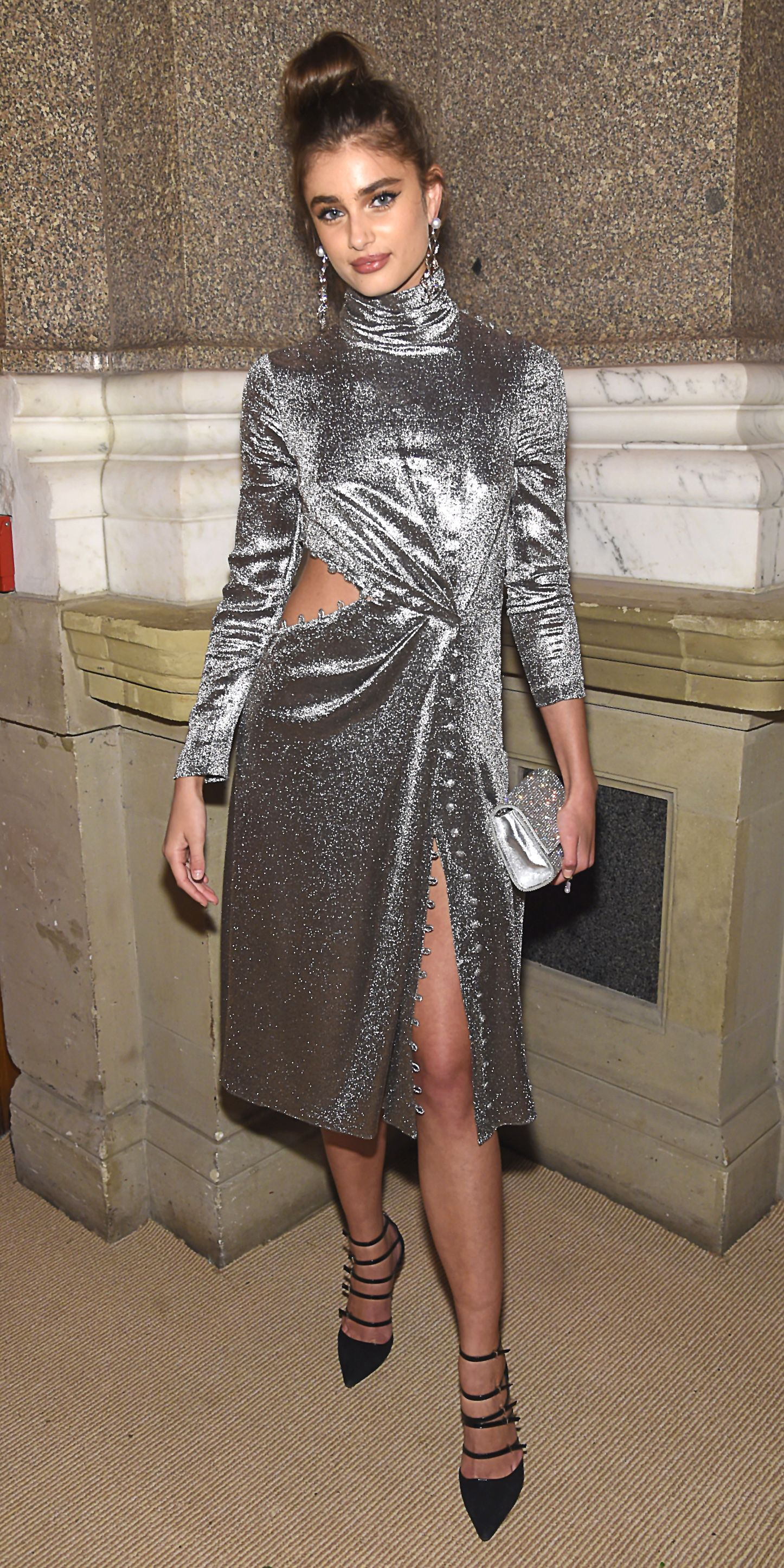 d5c8dac0868 Taylor Hill turned heads in a shimmering metallic Prabal Gurung gown