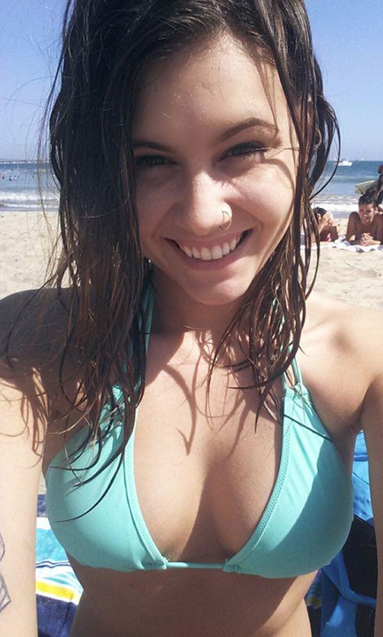 Amateur junior bikini girls