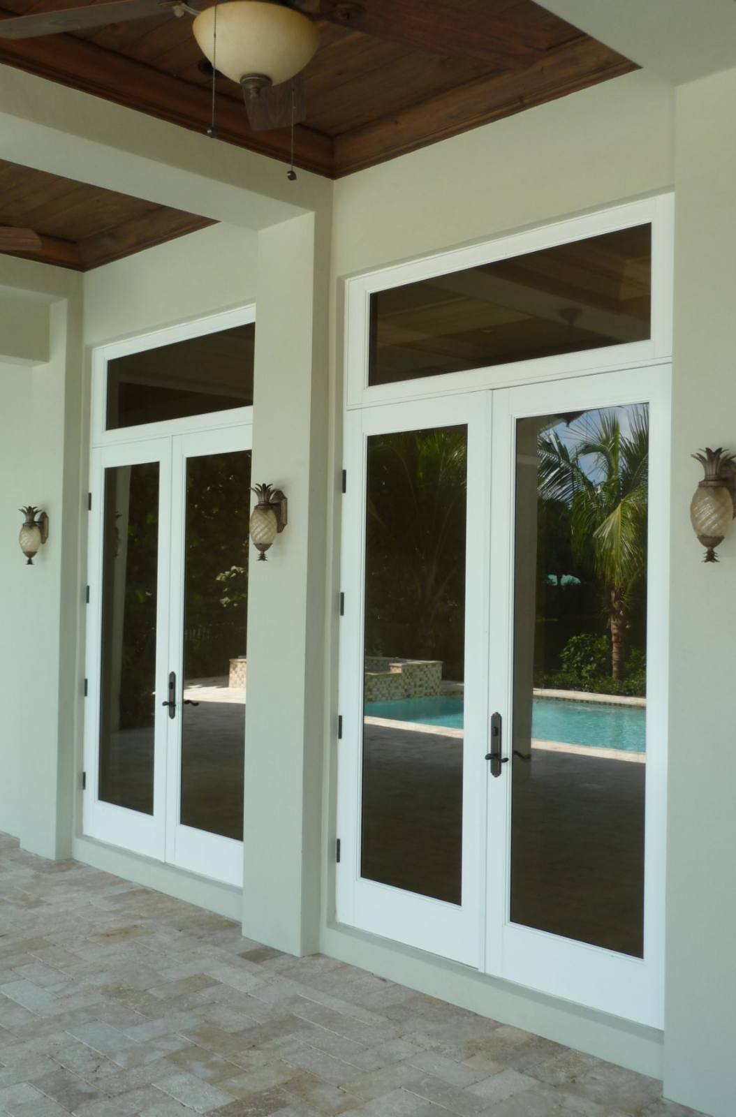 Shatter Resistant Durability A Unique Look And Noise Reduction Are Just Some Of The Ingredients That M Luxe Interiors Windows And Doors Interior And Exterior