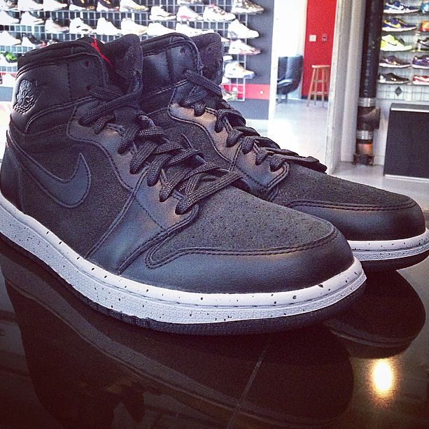 It is truly ashame that so few of such a greatly constructed #jordan were created! #jordan1 #PSNY #solecontrol  www.solecontrolPHILA.com