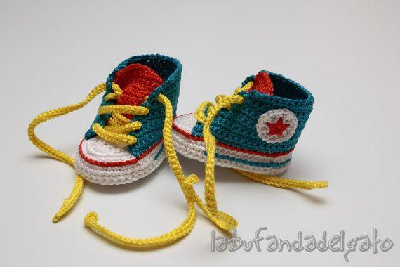 8f7681c4eaf Crochet Converse All Star by Labufandadelgato on Etsy