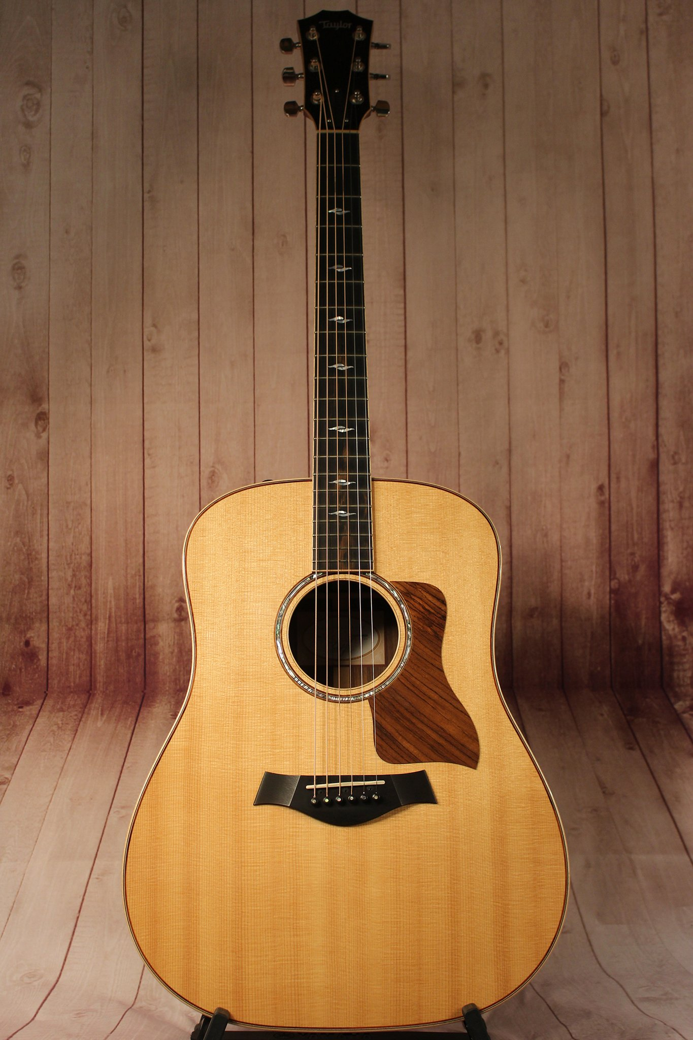 Taylor 810e Dreadnought Acoustic Electric Guitar Products