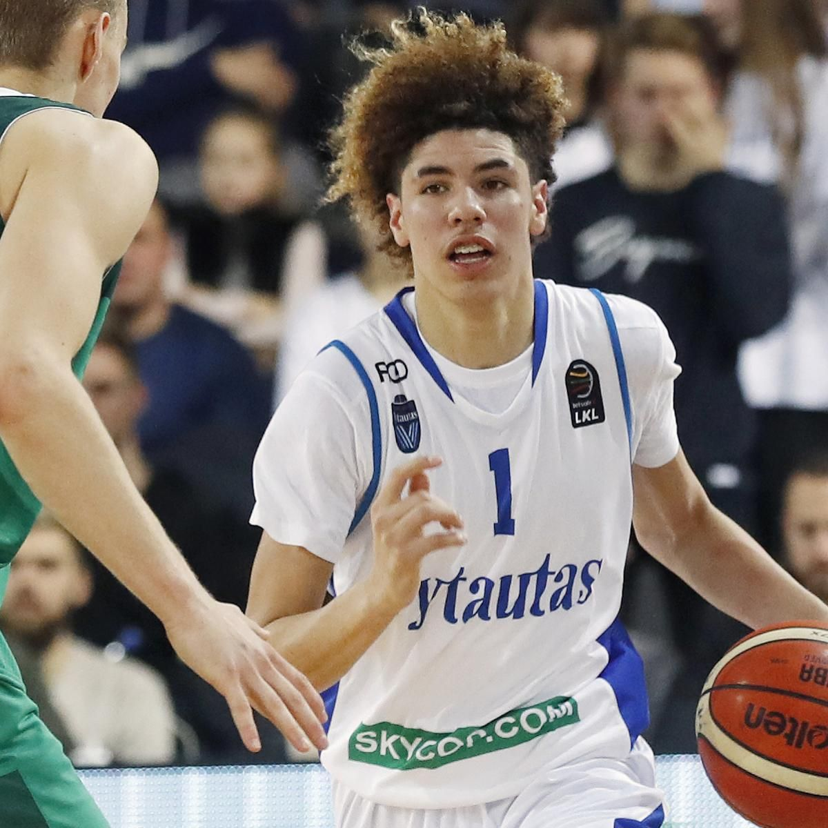 Lamelo Ball Is Apparently Going Back Overseas Next Season Instead Of Playing At Any Level In The United States Sports Lamelo Ball Lonzo Ball Nba Coaches