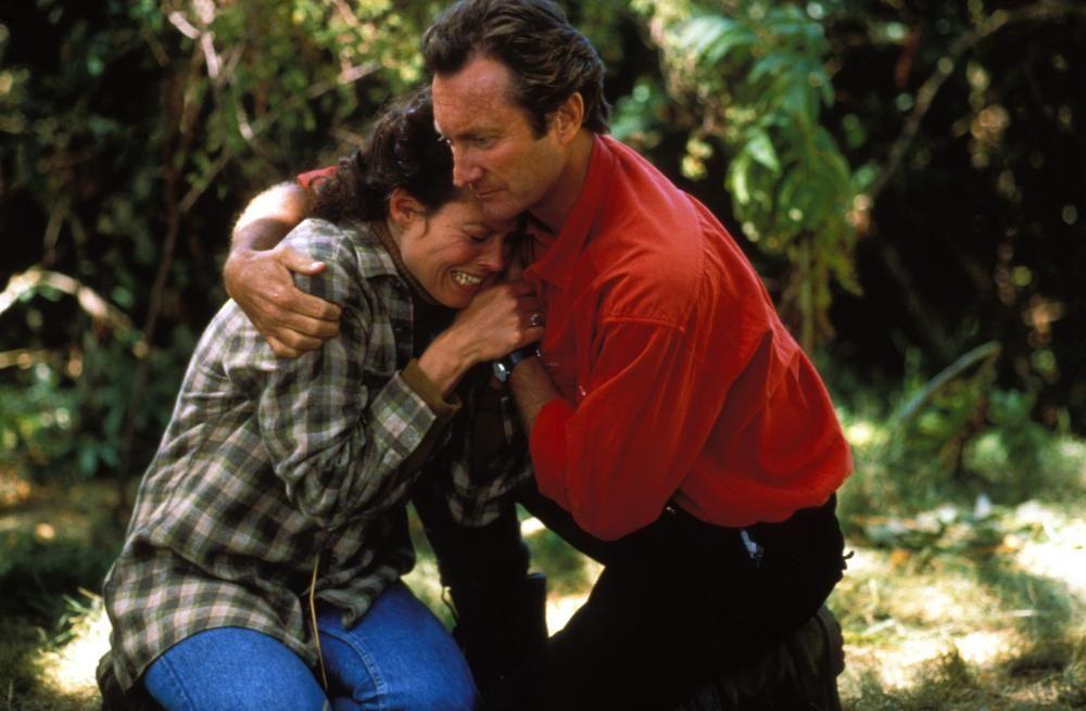 Gorillas in the Mist (1988) - Sigourney Weaver, Bryan Brown