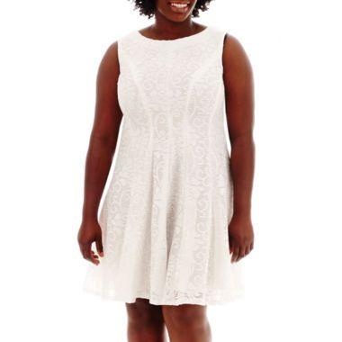 White made right for the plus size. Sandra Darren Sleeveless ...
