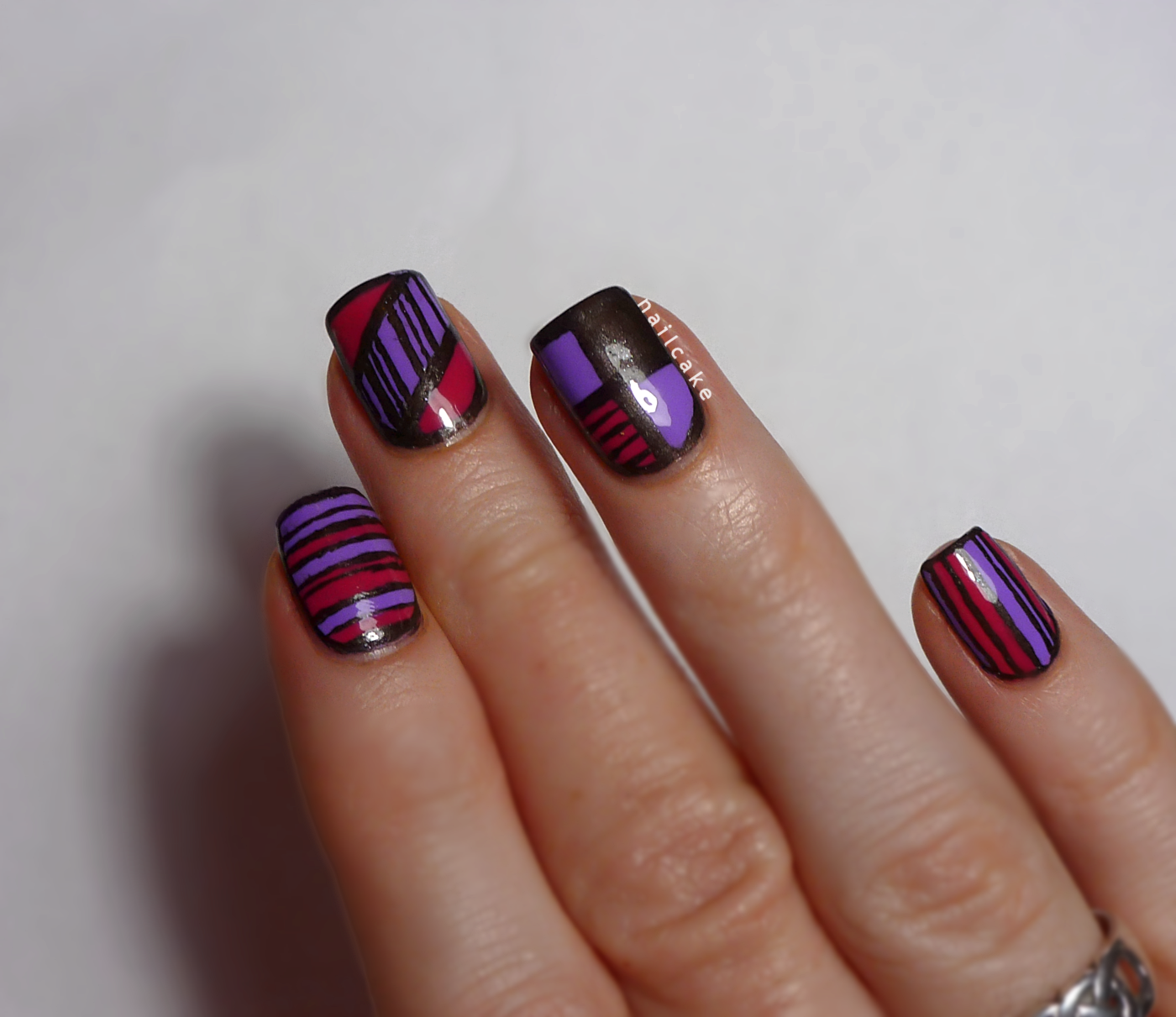 Illamasqua-Jo\'Mina-pink-grey-geometric-stripe-nail-art-6.png (1400 ...