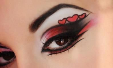"""Maquiagem linda estilo """"pin up"""" para festas especiais. O que acham??"""