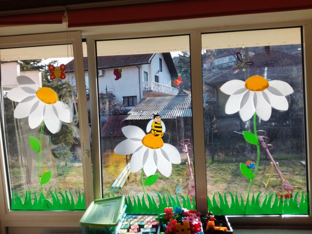 Windows spring decoration