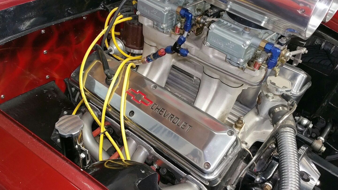 hight resolution of chevy 302 v8 in a 1963 ferrari 250 gte