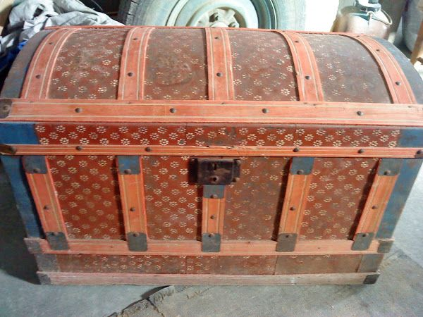 La restauraci n de este ba l te va a encantar wooden - Sofas antiguos de madera ...