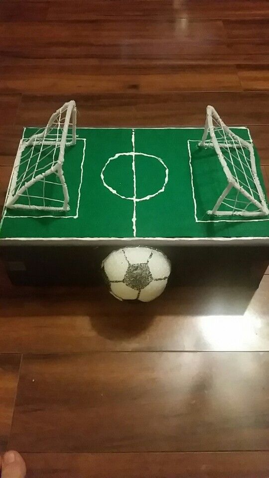 soccer field valentines box - Soccer Valentine Box
