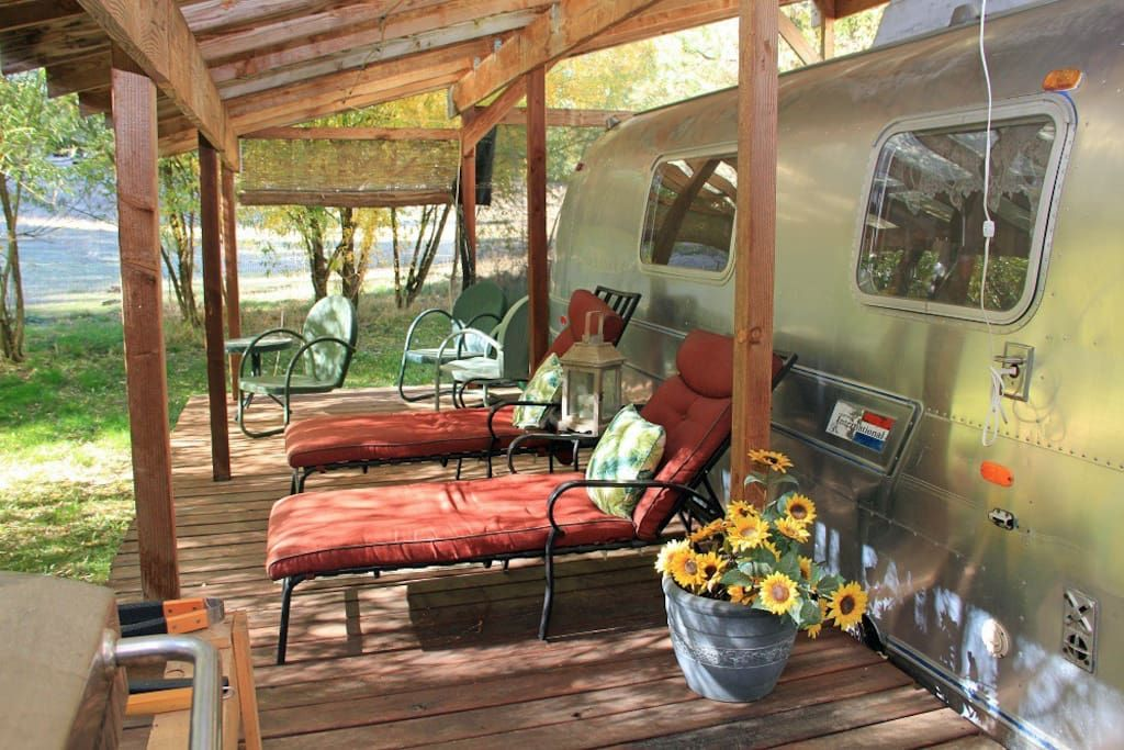 Rogue River Airstream EcoFarmstay Campers/RVs for Rent