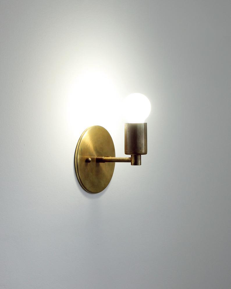 Trek Notch Modern Minimalist Brass Wall Sconce Lamp Light Etsy In 2021 Sconce Lamp Brass Wall Sconce Light Fixtures