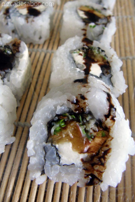 Sushi de queso crema, durazno y germinado de alfalfa con reducción de vinagre balsámico - www.pizcadesabor.com