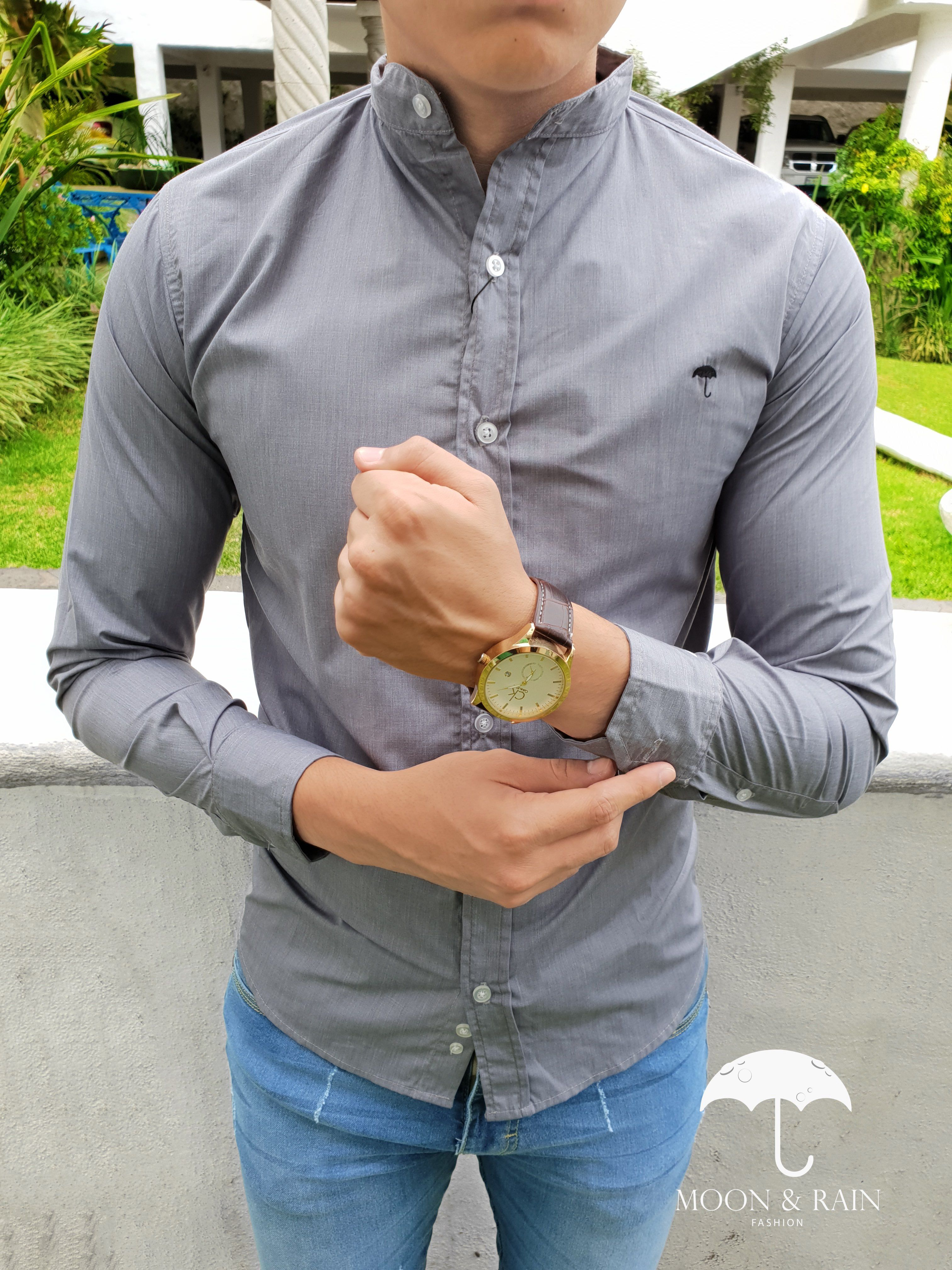 Outfit para hombre  camisa lisa color gris en cuello mao manga larga ... f87ca0a430648