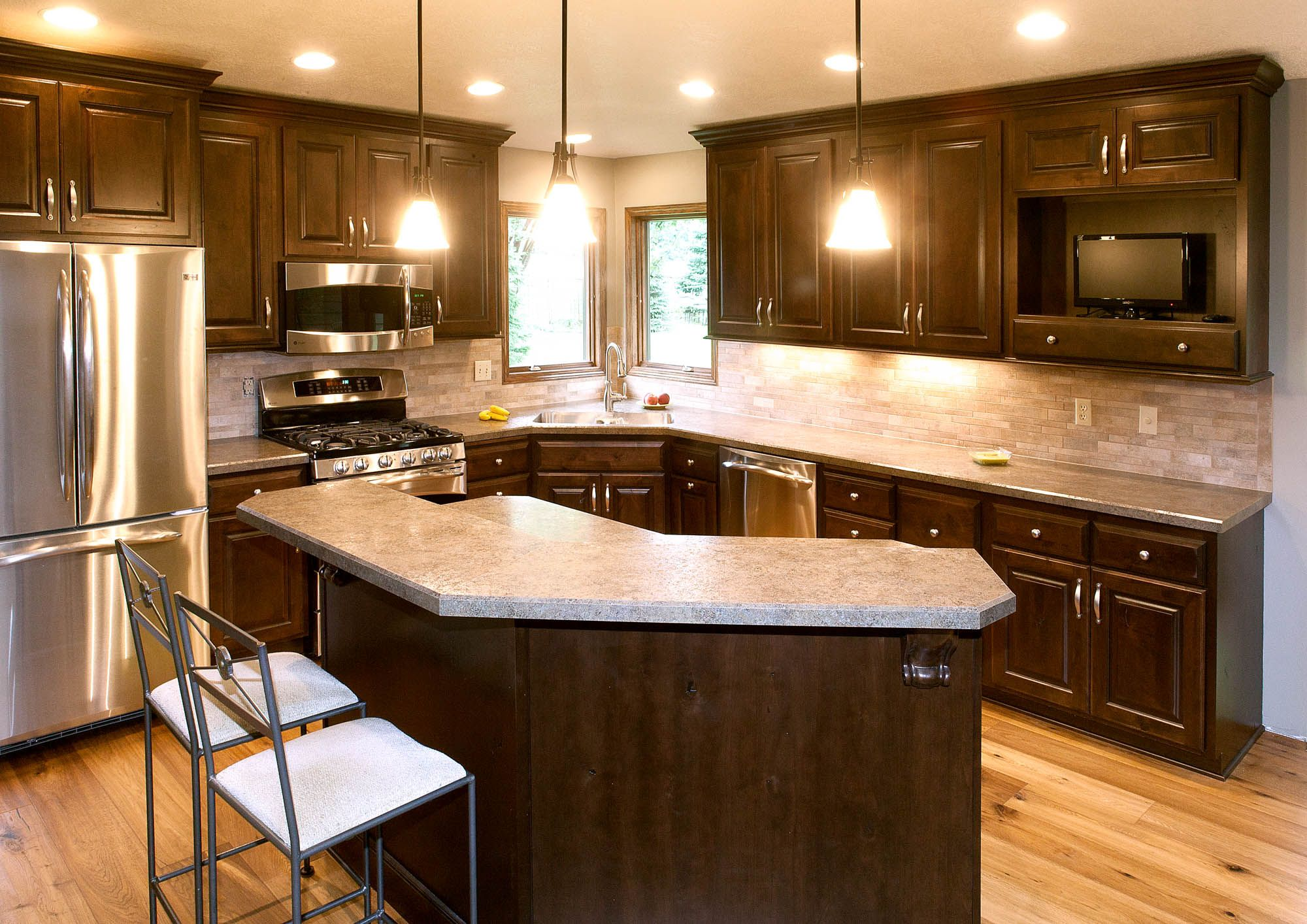 Renew Stained Kitchen Cabinets In Coffee With Ebony Glaze By Showplace Cabinetry View 3 Kitchen Remodel Kitchen Renovation Home Kitchens