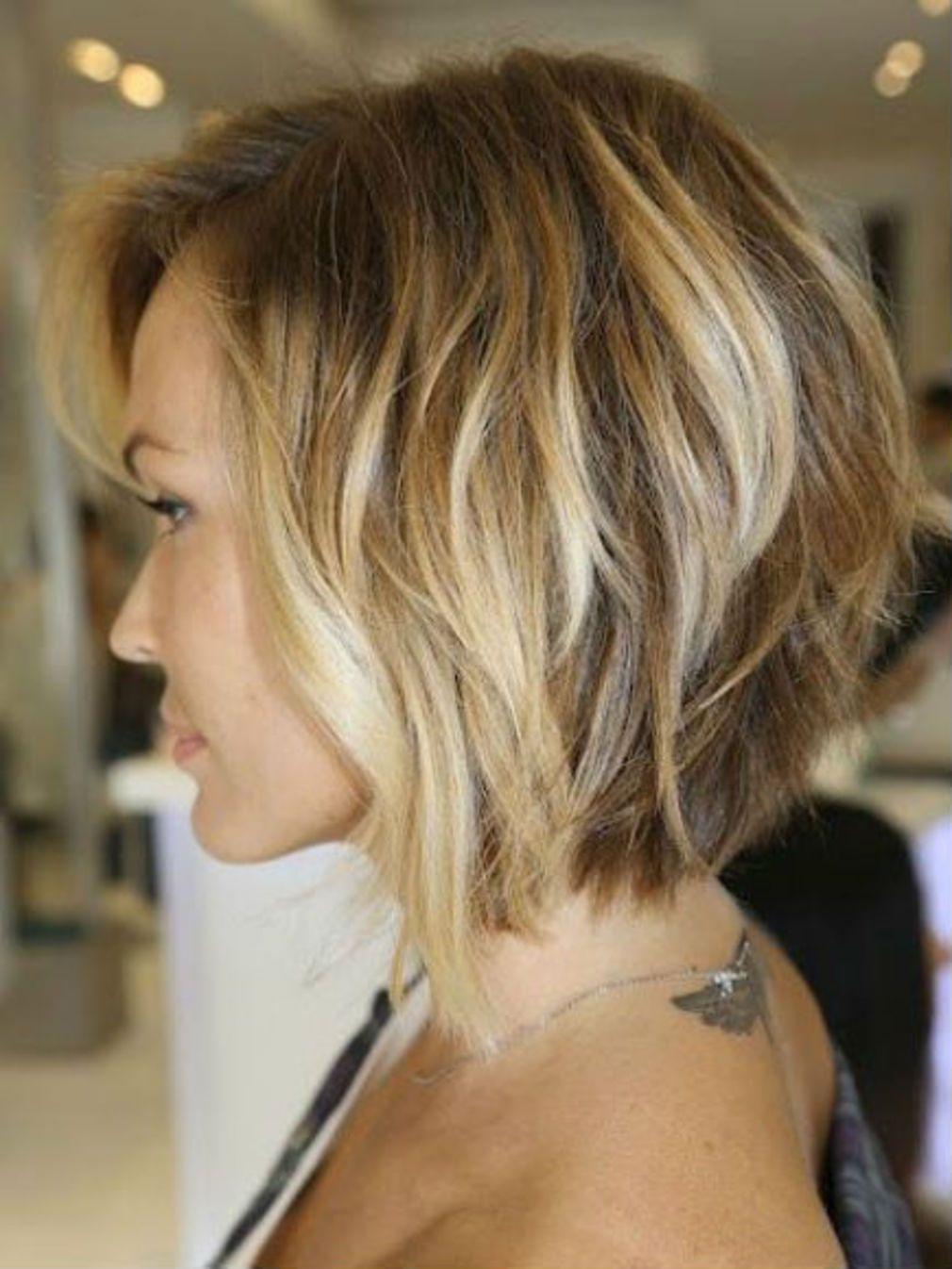 Carre Plongeant Degrade Sur Cheveux Blonds Carre Plongeant Degrade 30 Modeles Tendance Coiffure Coiffure Carre Degrade Coupe De Cheveux