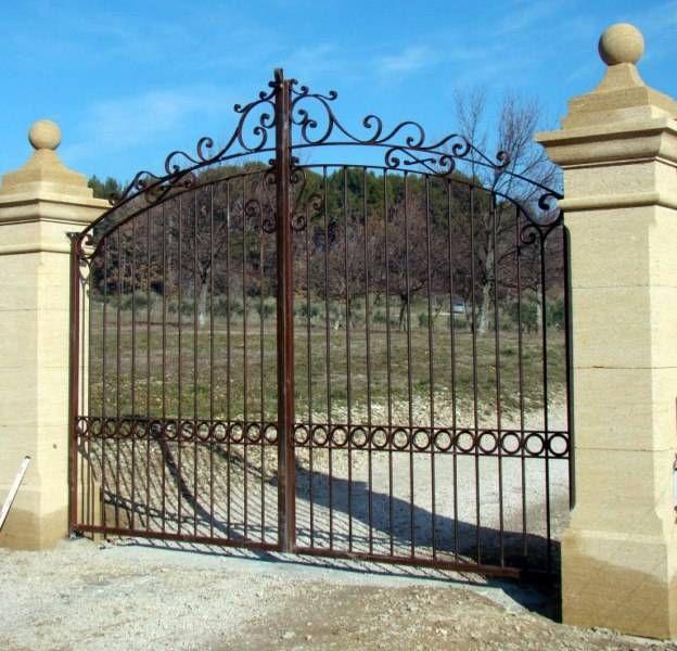 Portail lambesc en fer forg portail pinterest gates for Portail fer forge tunisie