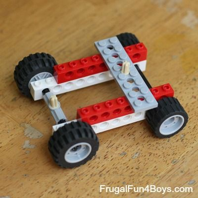 Two Ways to Build a Rubber Band Powered Lego Car | Lego, Simple ...